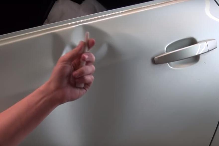 Фото инструментария для удаления вмятины